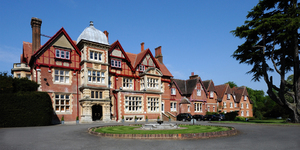 pendley-manor-hotel-united-kingdom-facade-seminaire-meeting-